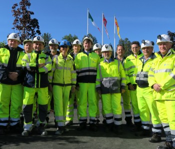 Representatives from the Spanish and Italian embassies visited the Follo Line Project and the new Visitor Room. Managers from AGJV and Jernbaneverket informed about the project (Picture taken outside mandatory PPE-area).